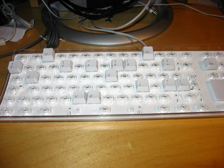 Cleaning the Apple Keyboard